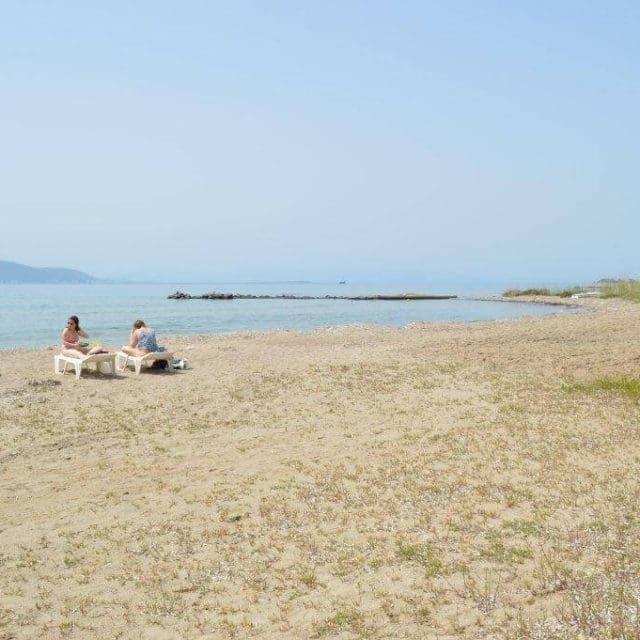 Villa Light Ground Floor Vrocheia Aegina - Beach 500 m to the left from the house's gate