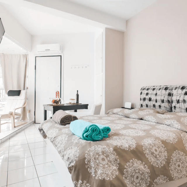 Sunny apartment with view - Kipseli, Athens - Bedroom