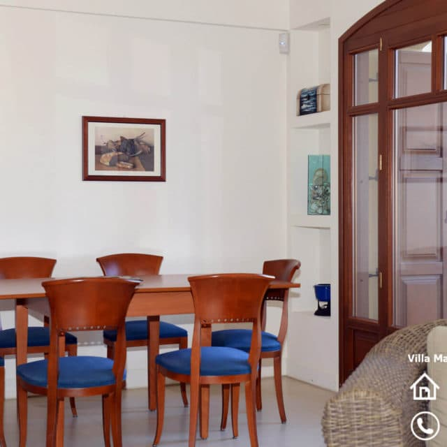 Villa Marina Neos Voutzas - Dining table in the living room at the first floor